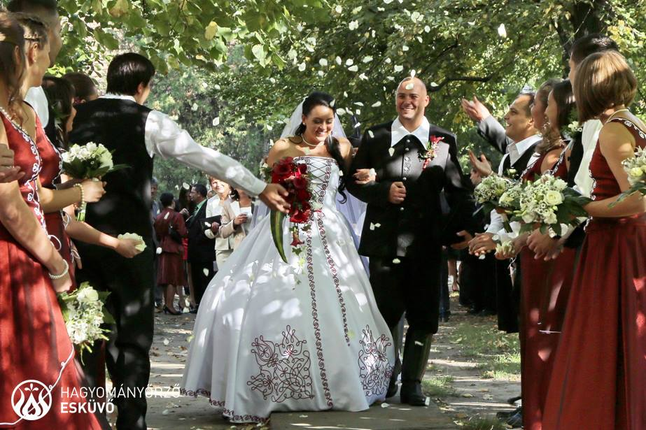world wedding traditions